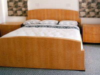 Quilted maple bedroom set